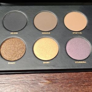 New In Box ISH Smoky Shadow Palette